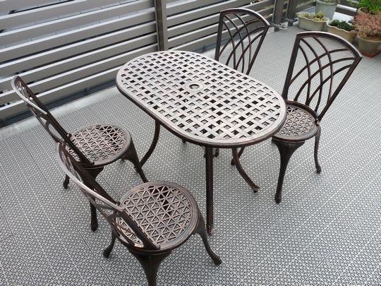 山善ガーデンテーブル&チェア