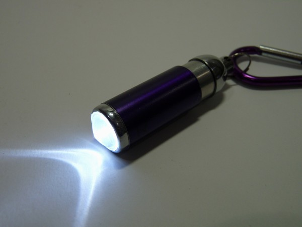 SiSO-LAB☆アウトドア専門店ゴリラでもらったLEDズームライトの電池交換