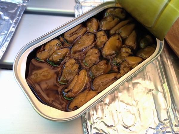 SiSO-LAB☆ハイキング料理・燻製ムール貝の缶詰