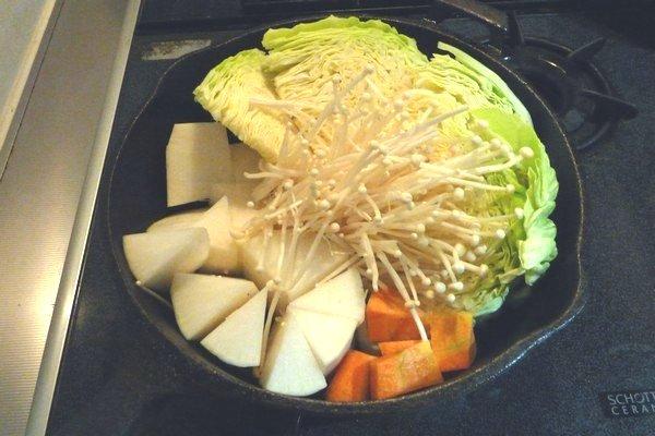 SiSO-LAB☆コンボクッカーでワイルドなキャベツ鍋レシピ