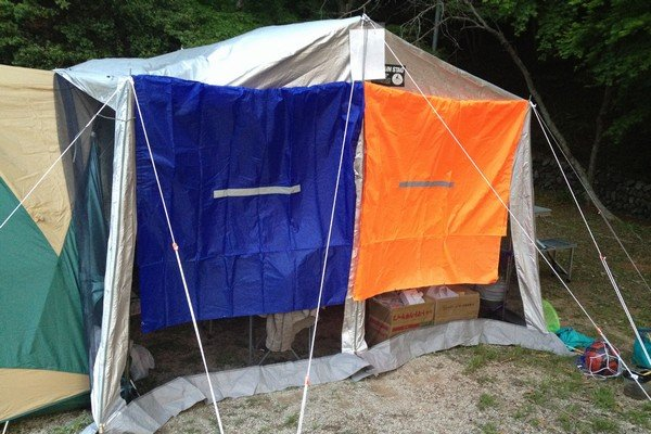 SiSO-LAB☆キャンプ・寒いのでポンチョで風対策