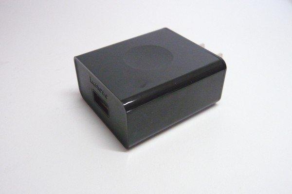 SiSO-LAB☆YOGA BOOK with Windows付属のACアダプターは12V急速充電対応、12Vでガンガン充電するよ。