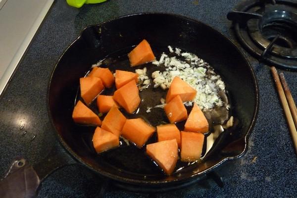 SiSO-LAB☆ニトスキ!オーブン使わずにギュウギュウ焼き。鶏肉と野菜たっぷり。