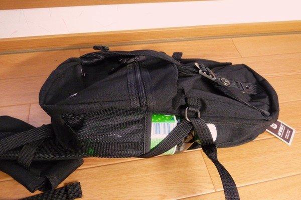 SiSO-LAB☆AVIREX イーグル ボディバッグAVX305・サイドポケットもペットボトルが入る。