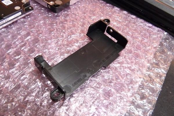 SiSO-LAB☆LuvBook LB-K812S-SHのHDD交換・7mm厚HDD用スペーサの自作
