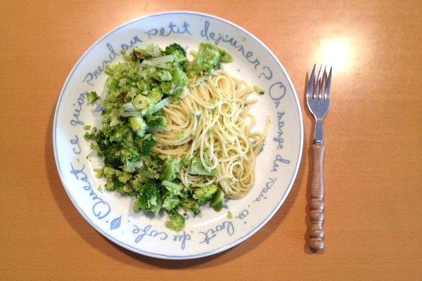 SiSO-LAB☆明るい緑色が春っぽい手抜きブロッコリーのスパゲティ