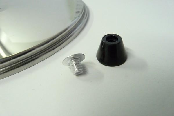 SiSO-LAB☆ユニフレーム 山フライパン17cmとリッドSUS。つまみのネジは一般的な6mm。