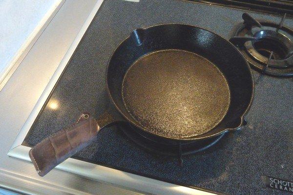 ニトスキ!ふわとろ卵のチリ鶏親子鍋。プレヒート。