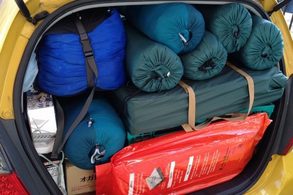 SiSO-LAB☆コンパクトカーに4人分のキャンプ道具。