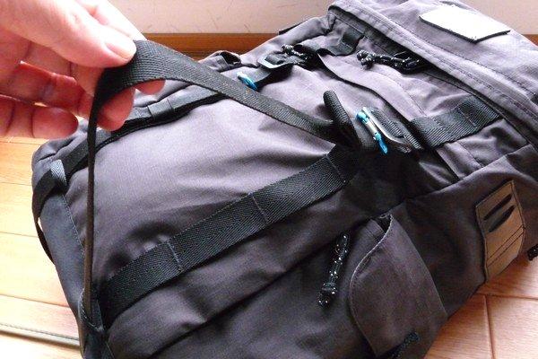 SiSO-LAB☆BURTON ANNEX PACK 28Lのウェビングストラップ。外れにくいように一工夫。