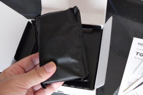 SiSO-LAB☆OLYMPUS TG-5。不織布の袋で保護。