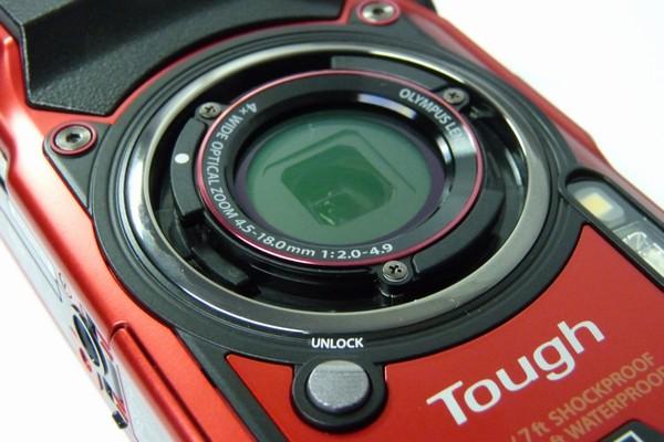 SiSO-LAB☆OLYMPUS TG-5。各部詳細写真。レンズリング取り外しボタン。