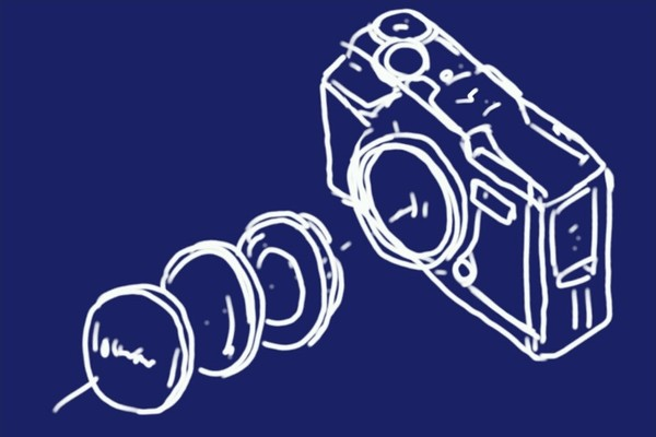 OLYMPUS TG-5、一応レンズ保護のため、プロテクトフィルターを装備。レンズキャップもコンバーターアダプターが必要なのね。