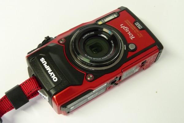 SiSO-LAB☆OLYMPUS TG-5。レンズキャップとプロテクトフィルターの取り付け。