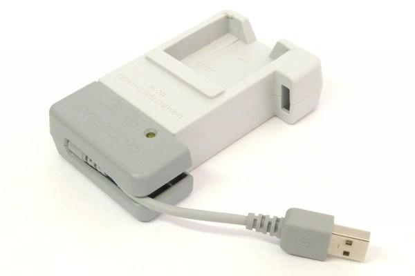 SiSO-LAB☆OLYMPUS TG-5。充電器UC-90。USBコネクタまわり。