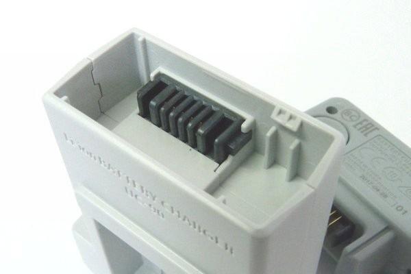 SiSO-LAB☆OLYMPUS TG-5。充電器UC-90。分離結合部。