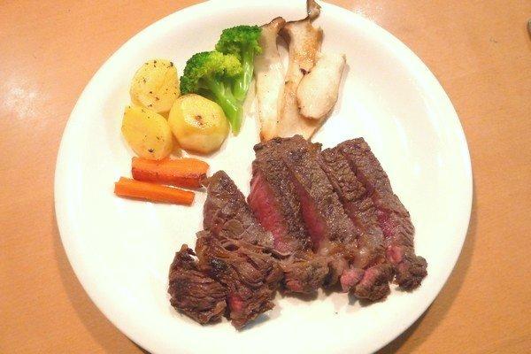 SiSO-LAB☆ふるさと納税。お礼品はいつ届くのかな?神奈川県松田町 ロースステーキ神奈川県松田町 ロースステーキ900g(岩塩付き) 国産牛熟成肉