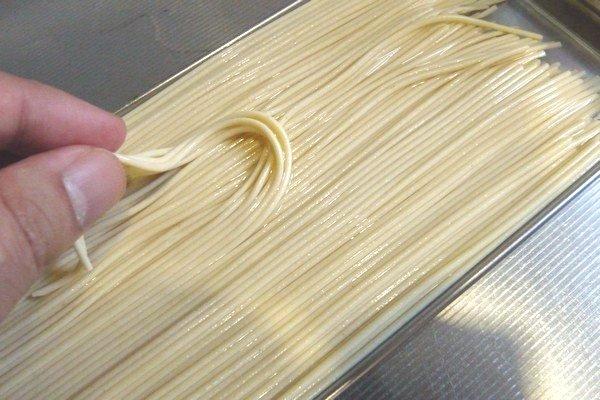SiSO-LAB☆スパゲティを水に2時間浸けて時短調理。2時間経過。