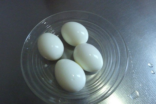 SiSO-LAB☆ダイソーたまごプッチン穴あけ器で上手にゆで卵実験。結局、全部きれいにゆで上がった卵たち。