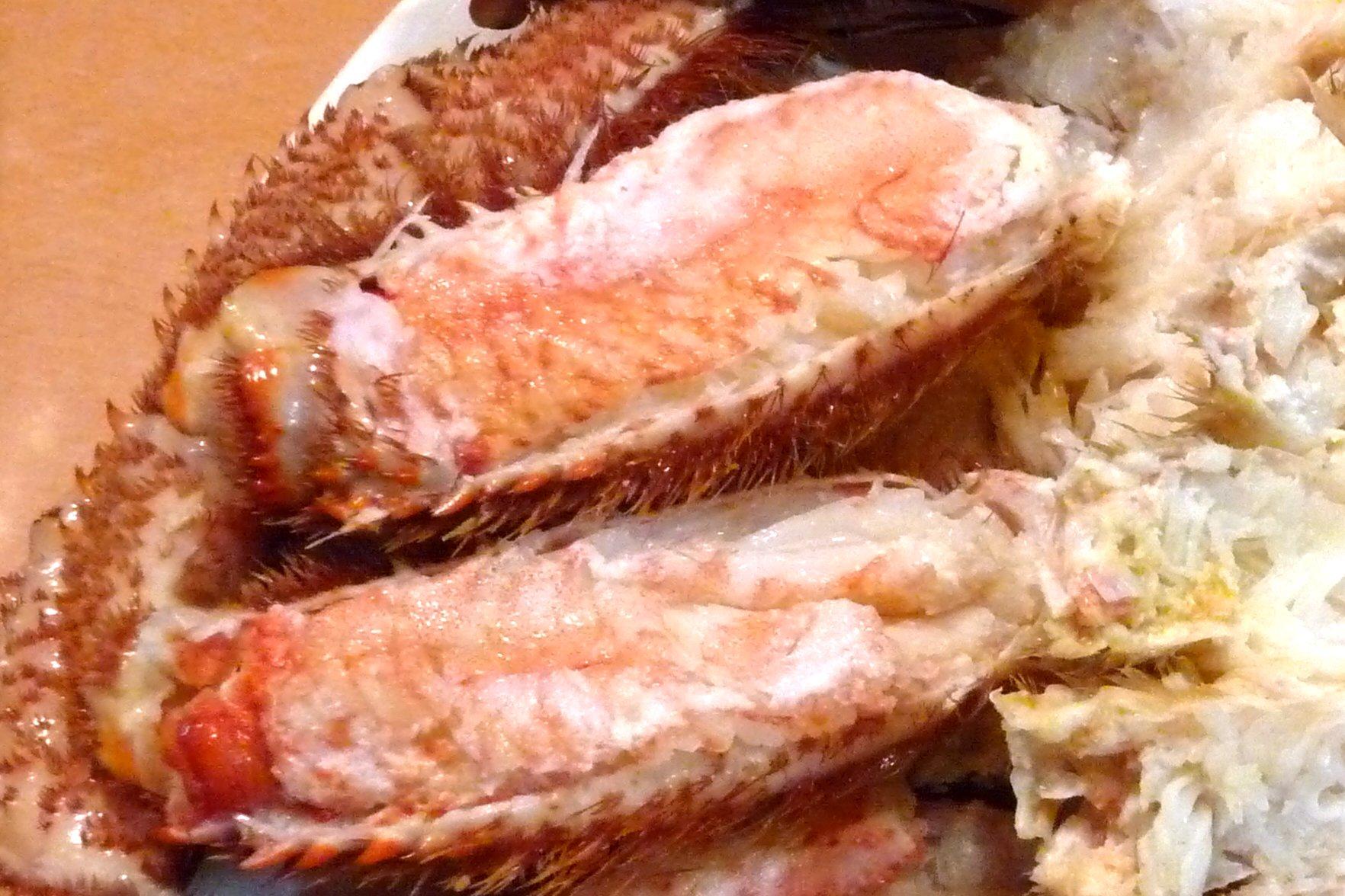 SiSO-LAB☆ふるさと納税、さとるふ、北海道森町、三特毛ガニ650g x2。毛ガニを食べやすくさばくよ。足の殻の剥き方。