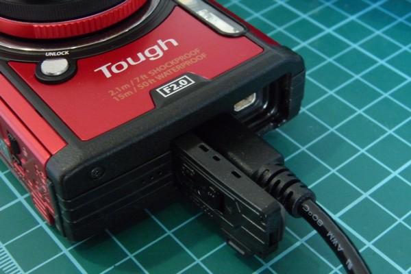 SiSO-LAB☆OLYMPUS TG-5、USBケーブル接続。