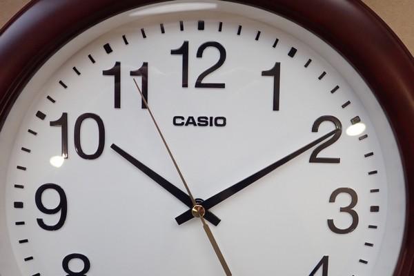 SiSO-LAB☆カシSiSO-LAB☆カシオ アナログ掛時計 スムーズ運針 IQ-132-5JF。オ アナログ掛時計 スムーズ運針 IQ-132-5JF。問題なく動作開始。