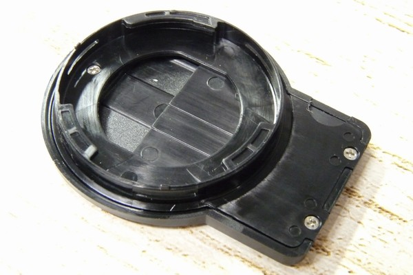 SiSO-LAB☆OLYMPUS TG-5用スライド式レンズキャップ UNX-9537。詳細写真。裏側。