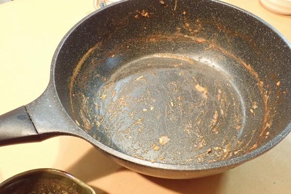 SiSO-LAB☆100均食材多用の簡単ブイヤベース風鍋。食べたらシメのパスタ。完食。