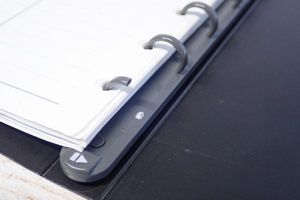 SiSO-LAB☆リフィル差し替え可能なスリムなメモ帳を悩み中。昔使っていたミニ6穴(ポケット)サイズのバインダー。