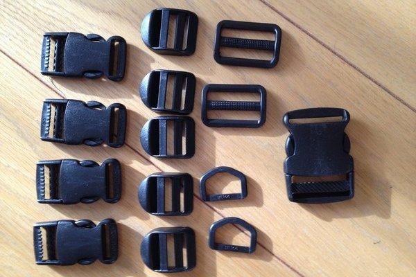 SiSO-LAB☆ウエストバッグのバックルを修理。廃品バッグから部品取り。