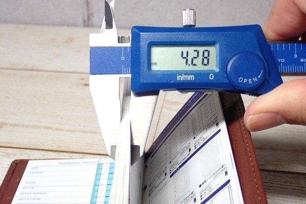 SiSO-LAB☆レイメイJWP5003 ポケットシステム手帳。元々のリフィルの厚み。