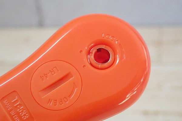SiSO-LAB☆タニタ・スティック温度計 TT-533。本体に謎の穴。穴の使い方。ロック機構付き。