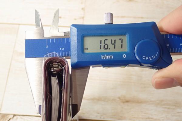 SiSO-LAB☆パイロット ミニ6穴 システム手帳 スリムバインダー PB701-130。厚み測定。