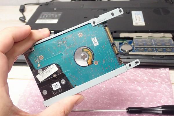 SiSO-LAB☆eMachines eME729Z-N24CのHDDの交換方法。