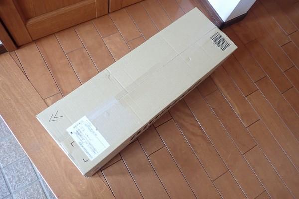 SiSO-LAB☆アウトドア用 ロール式 折りたたみ式 テーブル。今度はamazonダンボールで到着。