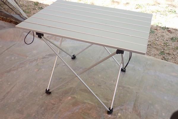 SiSO-LAB☆アウトドア用 ロール式 折りたたみ式 テーブル。初組み立て。あっという間に完成。