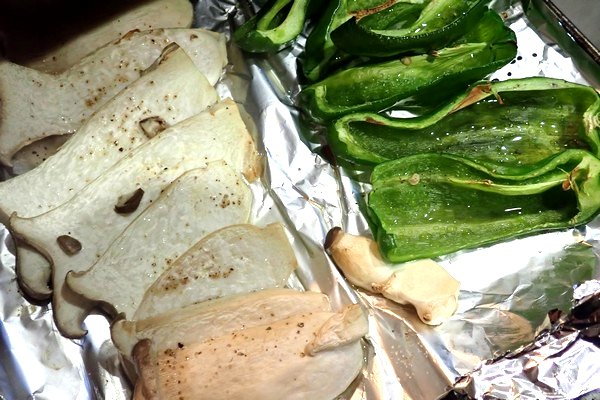 SiSO-LAB☆ふるさと納税 北海道鷹栖町 山恵 エゾ鹿肉セット。野菜も焼けたよ!
