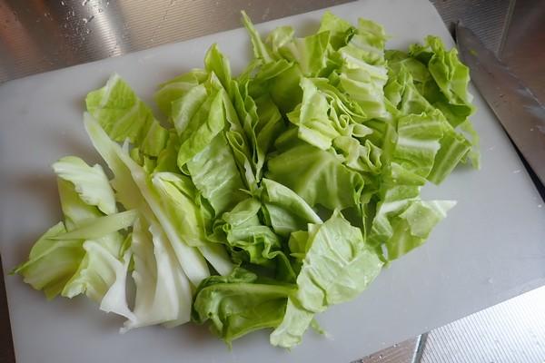 SiSO-LAB☆山飯。フライパン+キャベツで焼売。緑がまぶしいキャベツ。