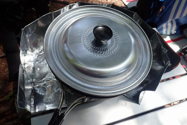 SiSO-LAB☆山飯。フライパン+キャベツで焼売。蒸す。