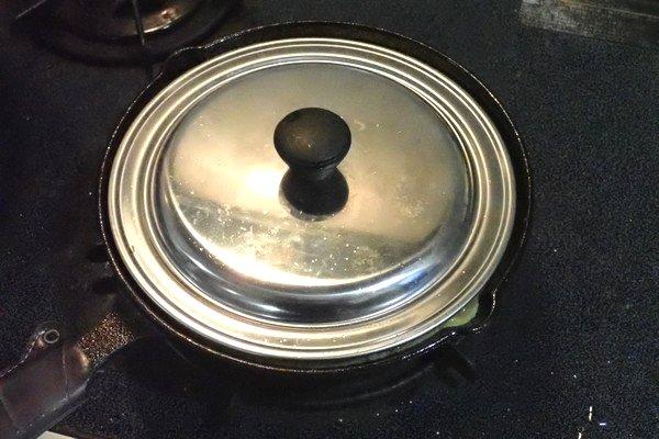 SiSO-LAB☆ニトスキ!トマトローズのスパニッシュオムレツ。あとはオムレツを焼いていくよ。