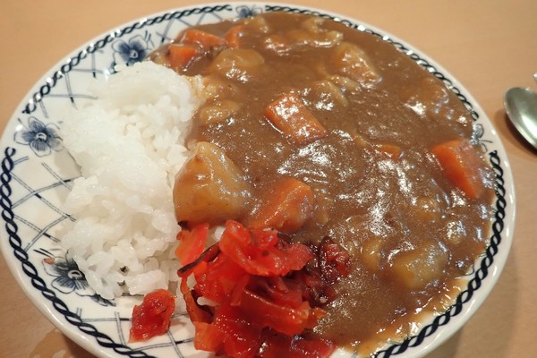 SiSO-LAB☆ふるさと納税ジビエ唐津猪肉スライスの詰め合わせ。猪バラ肉。カレーを作る。脂の甘い香りと旨みがいい感じ。