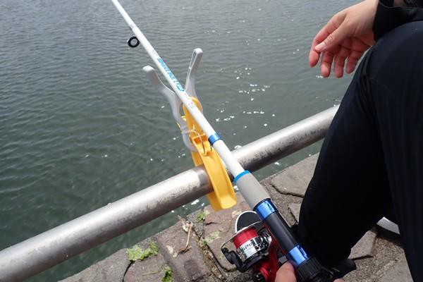 SiSO-LAB☆100均グッズで釣り竿用ロッドホルダー試作。全然役に立たず。