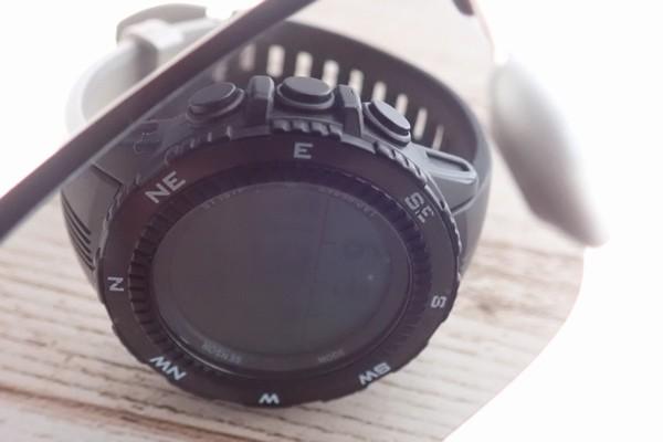 SiSO-LAB☆SEEKWAY SE711 偏光サングラス。デジタル腕時計、見えなくなる実験。