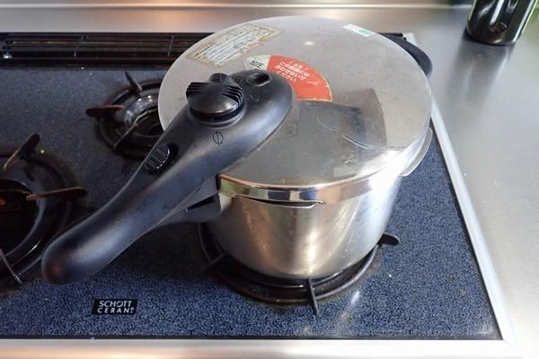 SiSO-LAB☆ふるさと納税 カレー粉で作ったカレーで猪肉堪能。人生初の圧力鍋。