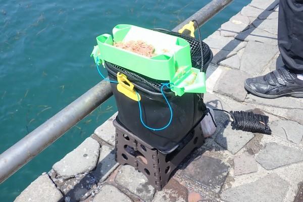 SiSO-LAB☆釣り用に白い折りたたみバケツ購入。タカミヤのバケツもいいけど黒いので魚が見えない。