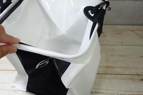 SiSO-LAB☆釣り用に白い折りたたみバケツ購入。剛性感は弱め。