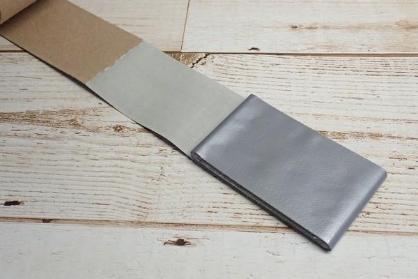 SiSO-LAB☆100均ダクトテープと養生テープをコンパクトにカードサイズで持ち運ぶ。巻き方。