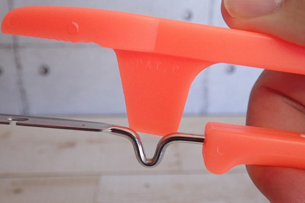 SiSO-LAB☆釣・第一精工 自動針ハズシ 32038。魚から釣り針を外す原理。
