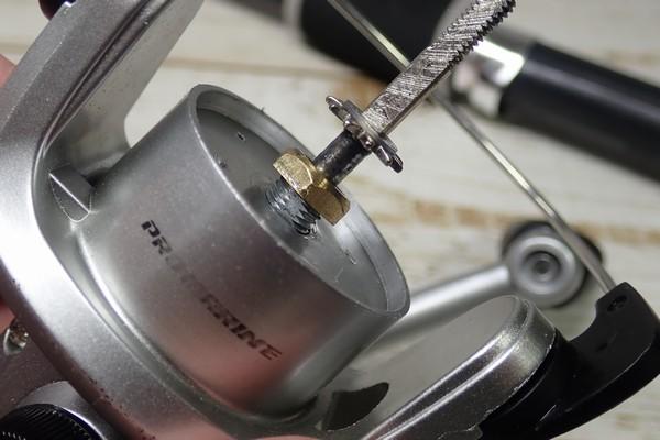 SiSO-LAB☆釣・プロマリンのリールをメンテナンス。スプールのガタツキ。シャフトを締めるナット。