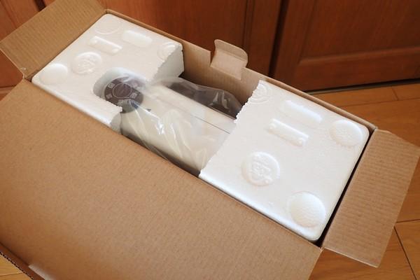 SiSO-LAB☆アイリスオーヤマ電気ストーブEHT-800W。梱包は普通の家電と同じ。